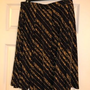 LuLaRoe large Madison skirt
